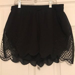 Scalloped soft shorts